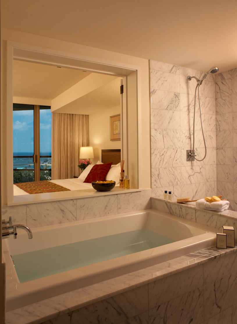Trump International Hotel and Tower Waikiki Beach Walk Suite Bathroom