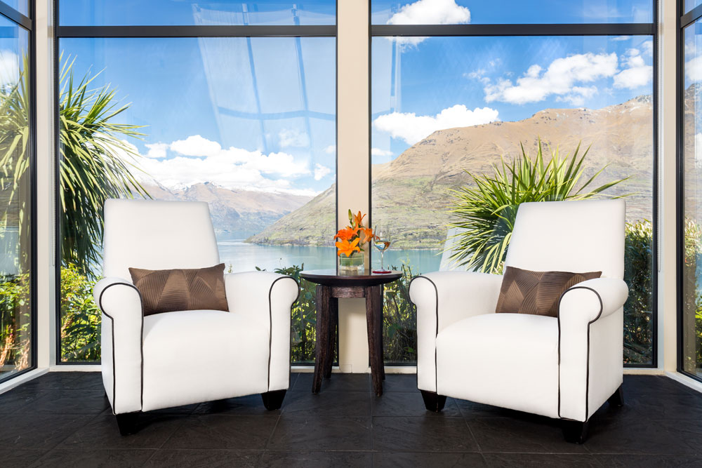 Relaxing and quiet setting at Azur Lodge, Queenstown