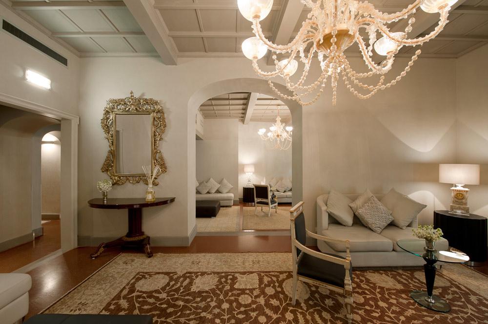 Relax Saloon at Brunelleschi Hotel FlorenceFlorenceItaly