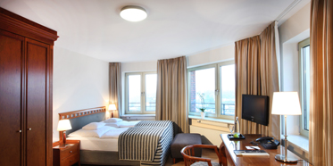 Business Class Double Guestroom at Lindner Main Plaza Frankfurt, Germany