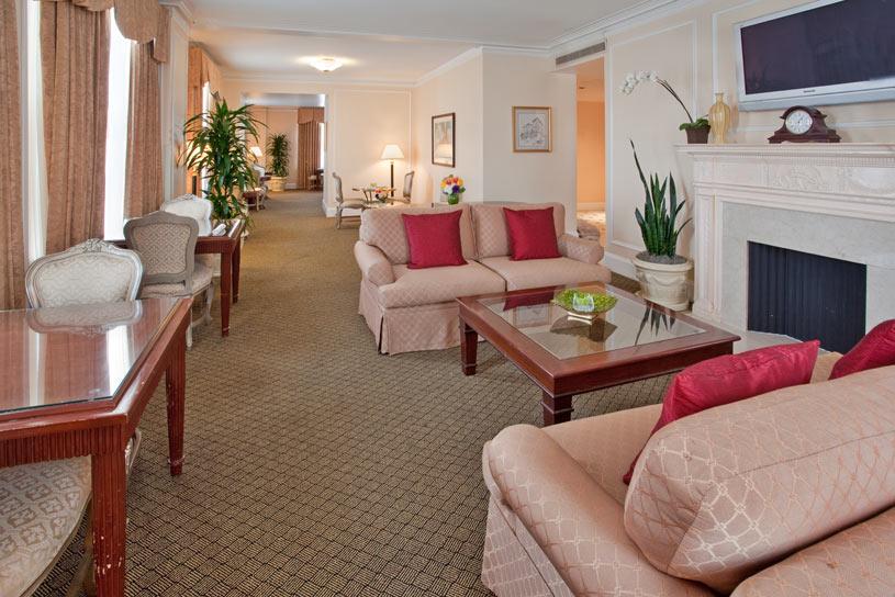 L.A Suite at The Millennium Biltmore Los Angeles