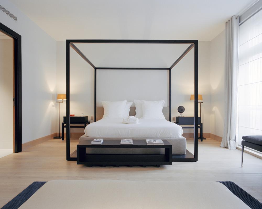 La Reserve Paris Guestroom