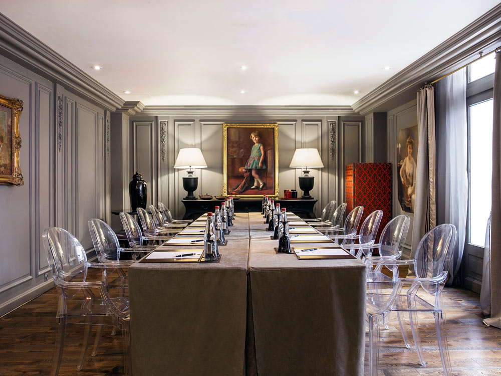 Salon de the Boardroom at Castille Paris