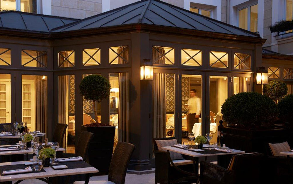 Assaggio Dining Room Exterior at Castille Paris