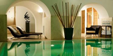 Luxe Rose Garden Hotel
