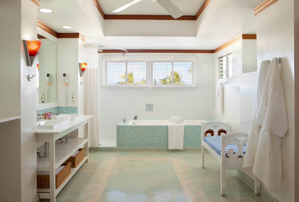 Suite Bath at Couples Negril