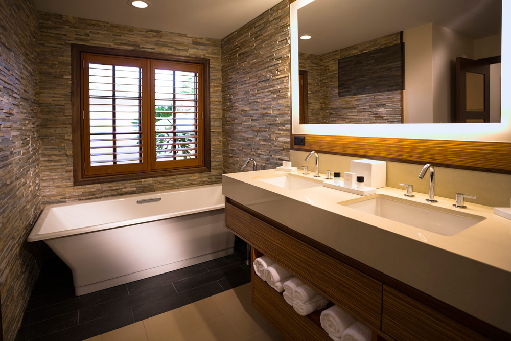 Suite Bath at The Villas of Grand CypressFL