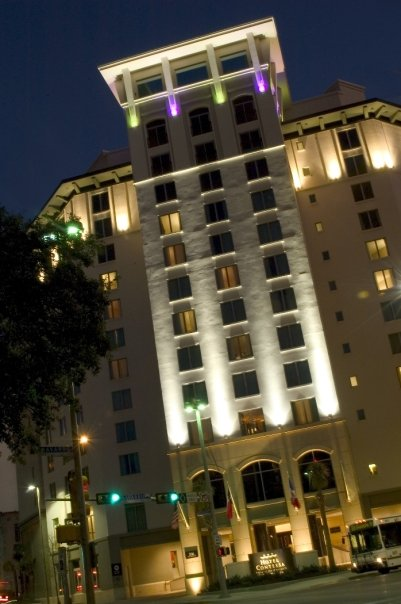 Hotel Contessa Riverwalk at night
