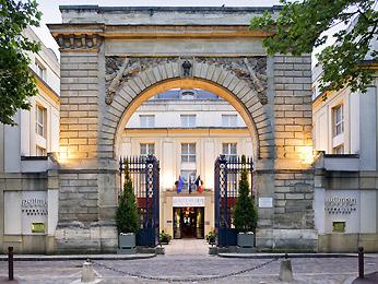 Pullman Versailles Chateau
