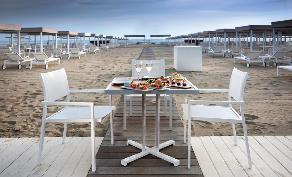 Beach Dining at Principe Forte dei Marmi Forte dei MarmiItaly