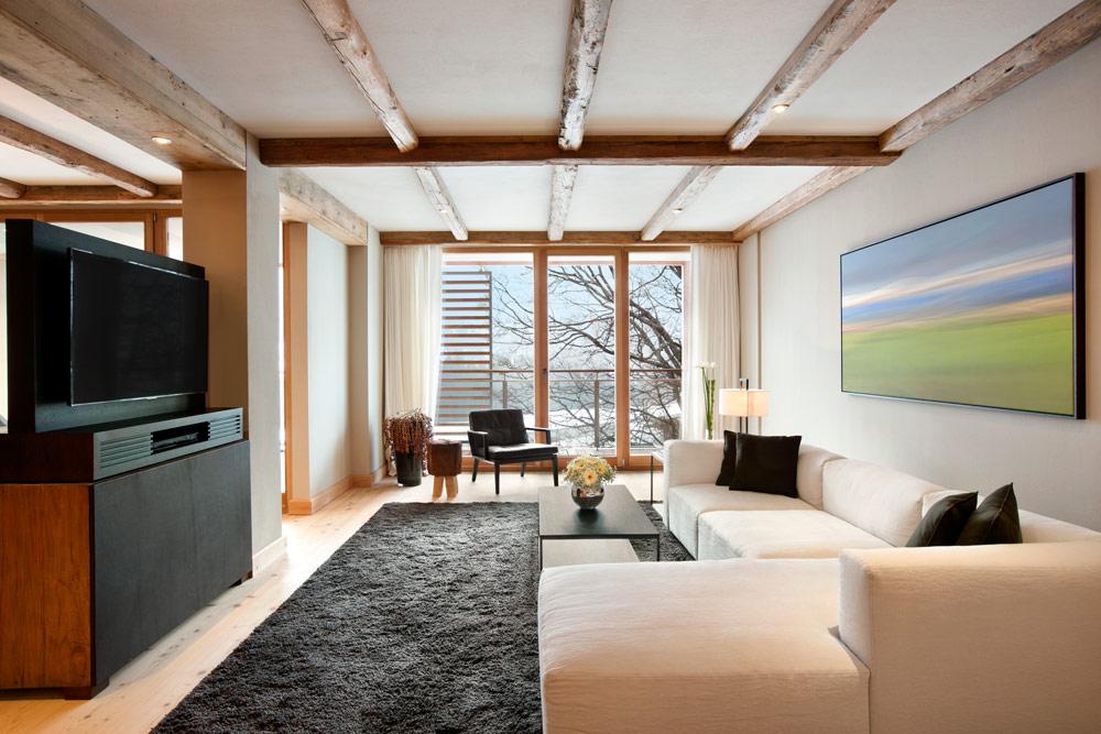 Kempinski Hotel Das Tirol suite living room, Austria