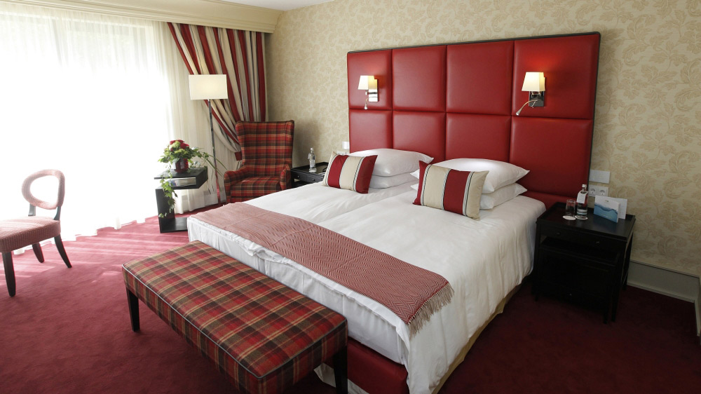 Deluxe Red Rooom at Kempinski Hotel Gravenbruch