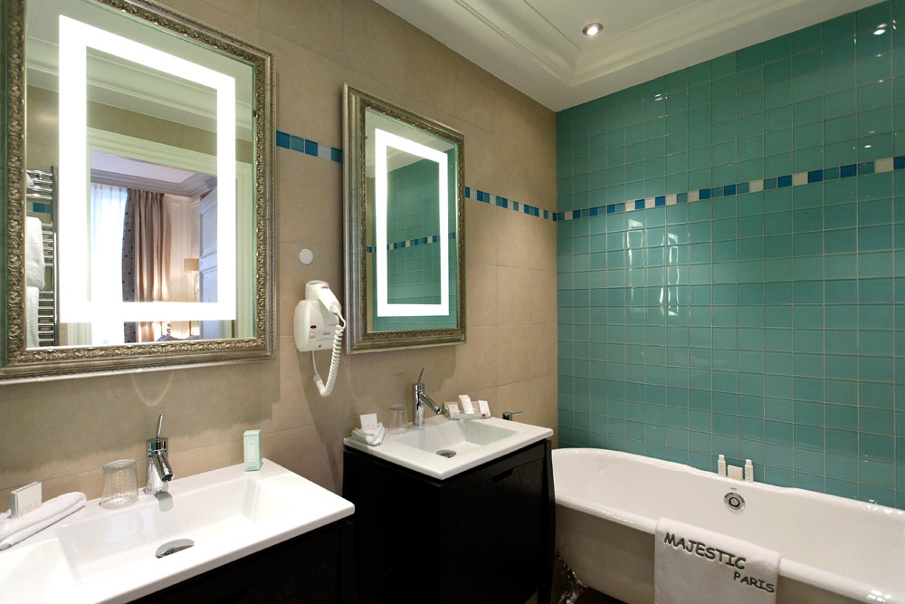 Bath at Villa and Hotel Majestic | Paris, France