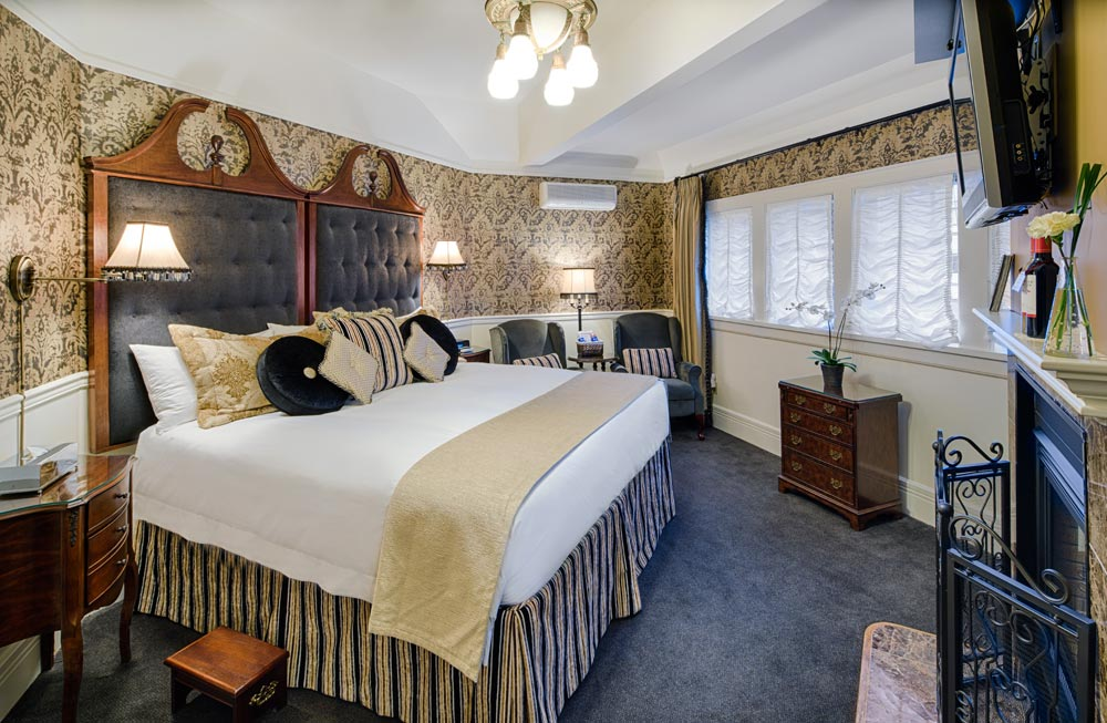Rose Room at Abigails Hotel VictoriaBritish ColumbiaCanada