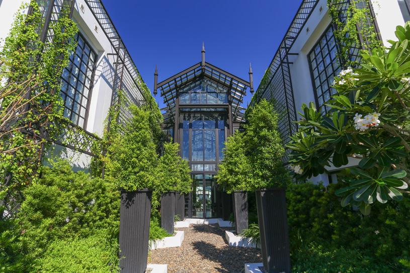 The Siam Hotel English Garden