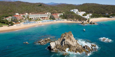 Exterior of Dreams Huatulco Resort and Spa