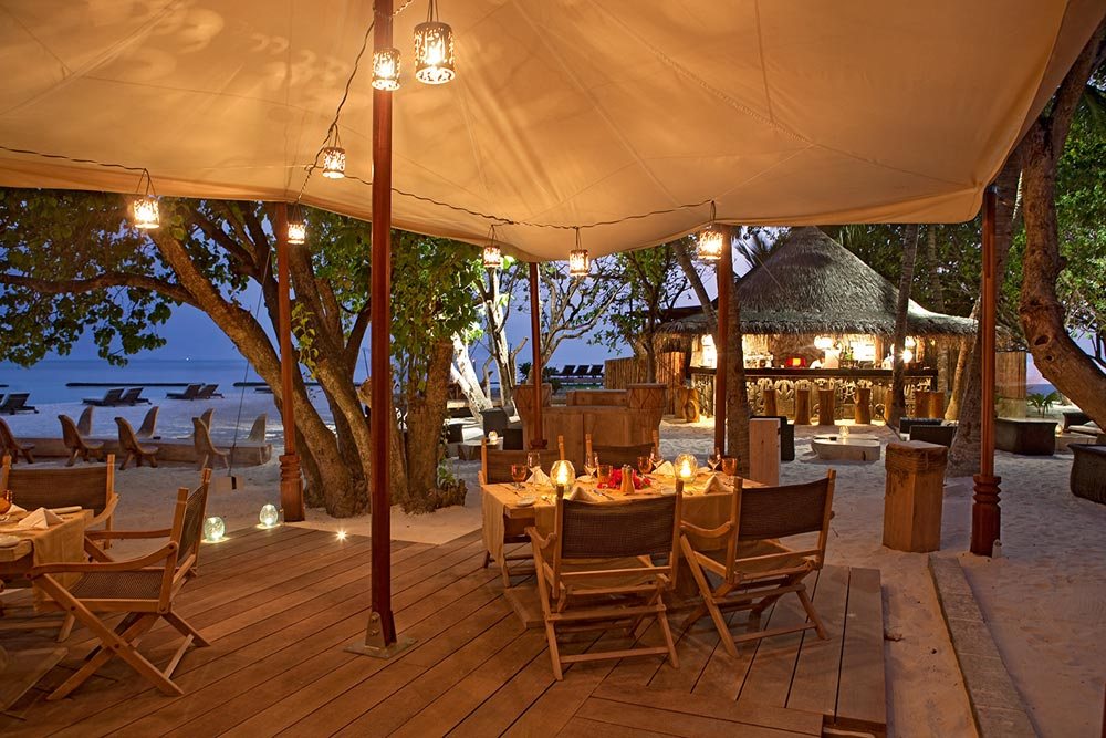 Constance Moofushi Resort Alizee Restaurant.