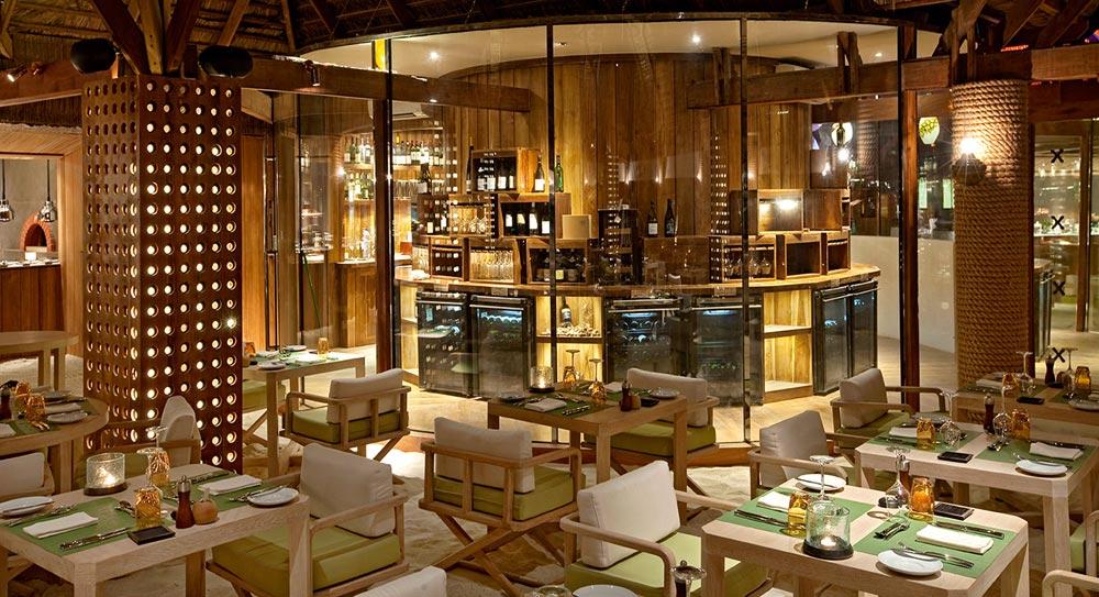 Constance Moofushi Maldives Manta Restaurant Interior.