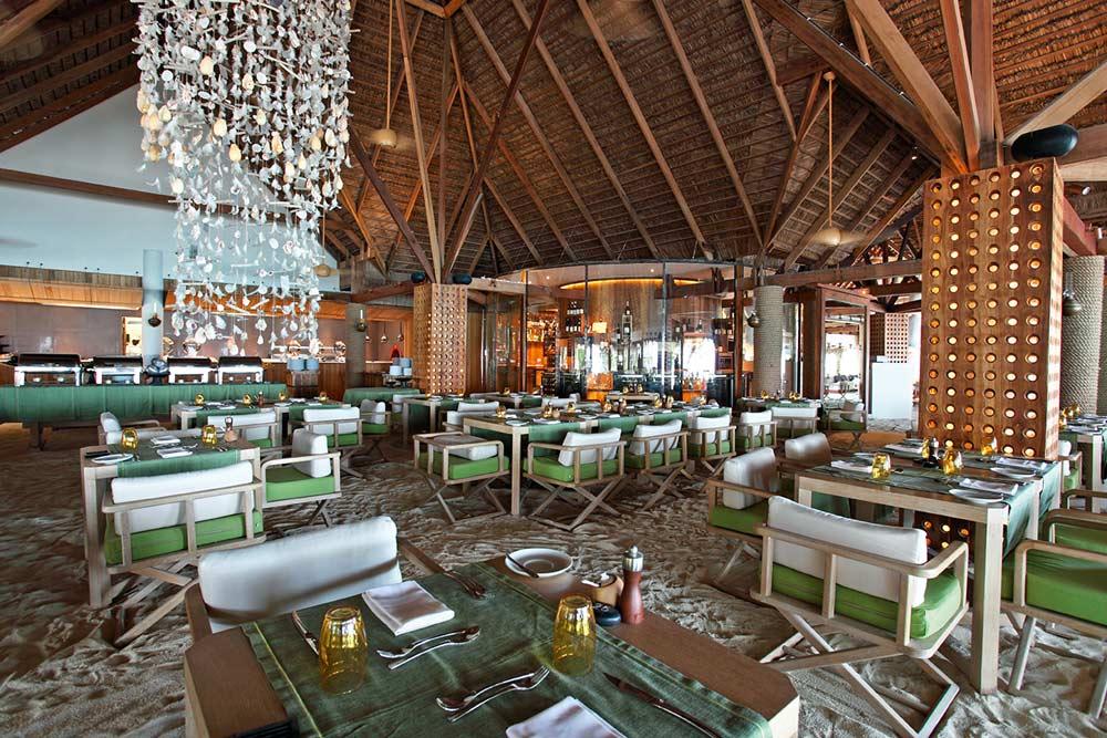 Constance Moofushi Maldives Manta Restaurant.