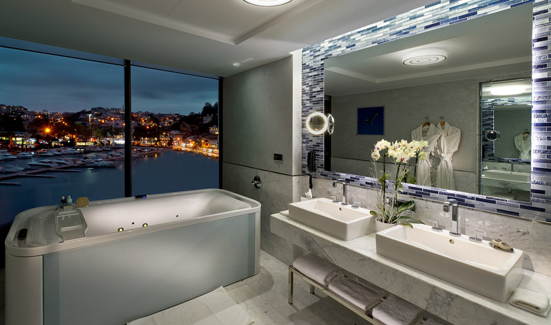 The Grand Tarabya Bathtub with a view