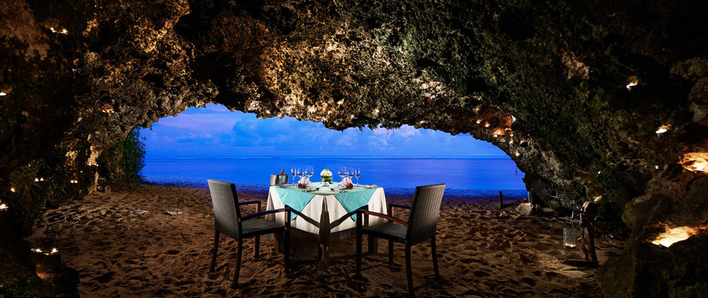 Romantic Dining Setting at Samabe Bali Resort and Spa