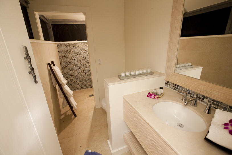 Tiamo Resort Guest Bathroom