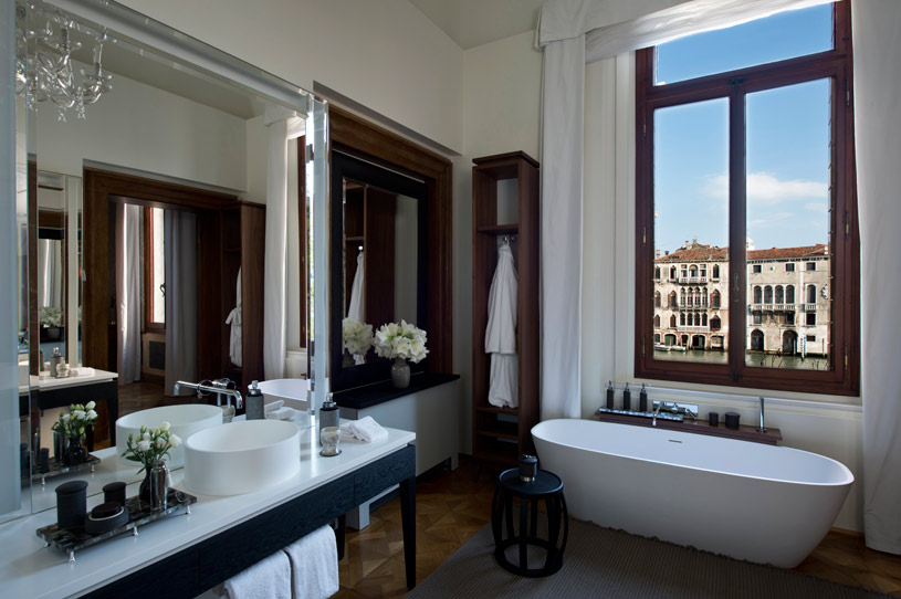 Maddalena Stanza Bathroom at Aman Canal Grande Venice