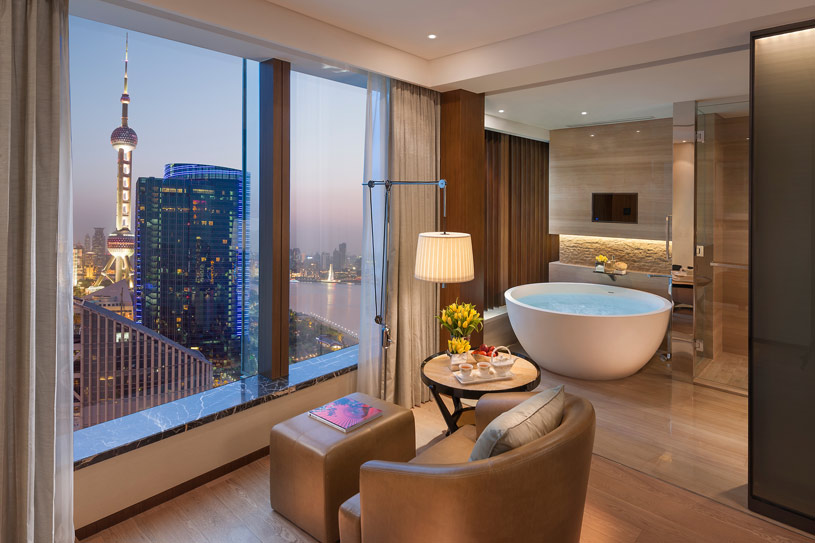 Mandarin River Room Bath at The Shanghai Pudong