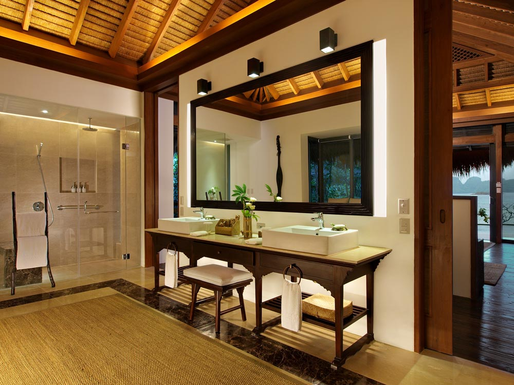 Villa Bath at Pangulasian Island Resort