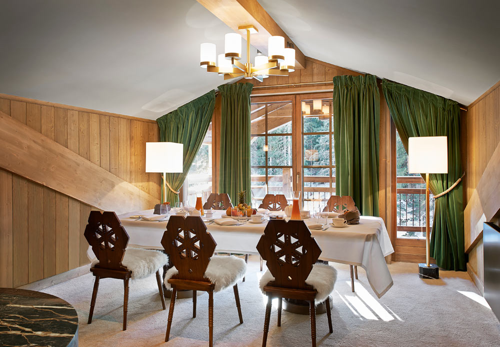 Family Dining at LApogee CourchevelCourchevelFrance