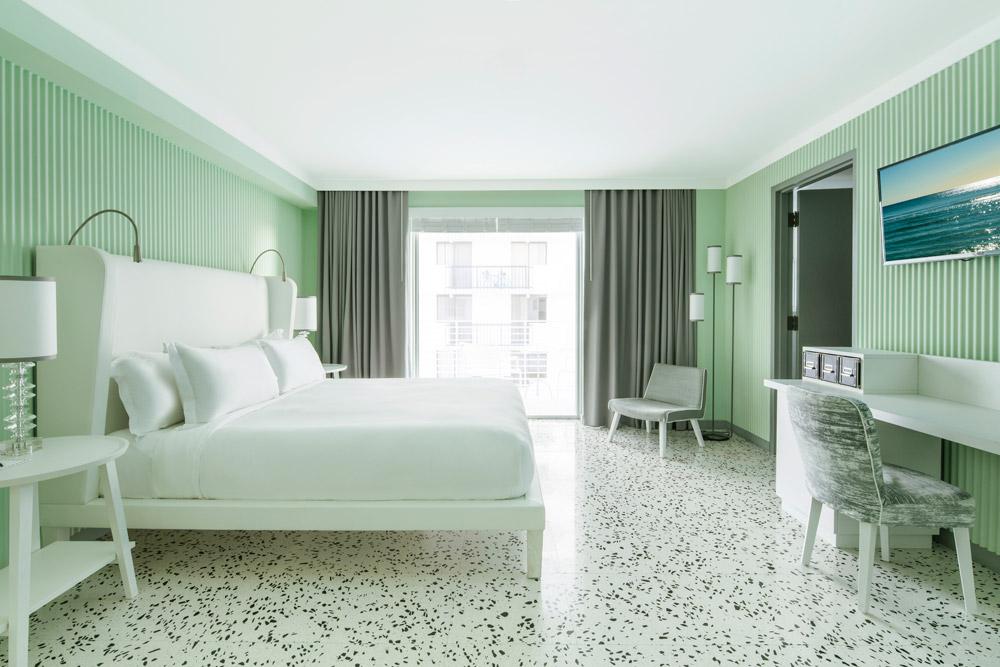 Balcony Guest Room at COMO Metropolitan Miami Beach