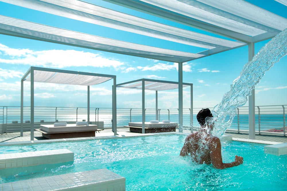 Rooftop Hydrotherapy Pool at the COMO Metropolitan Miami Beach