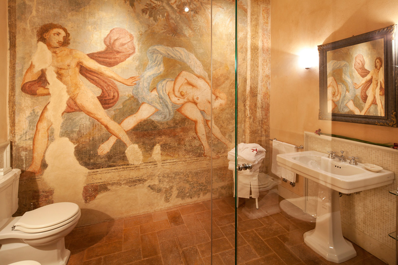 Bath at The Palazzo Arzaga Spa and Golf Resort