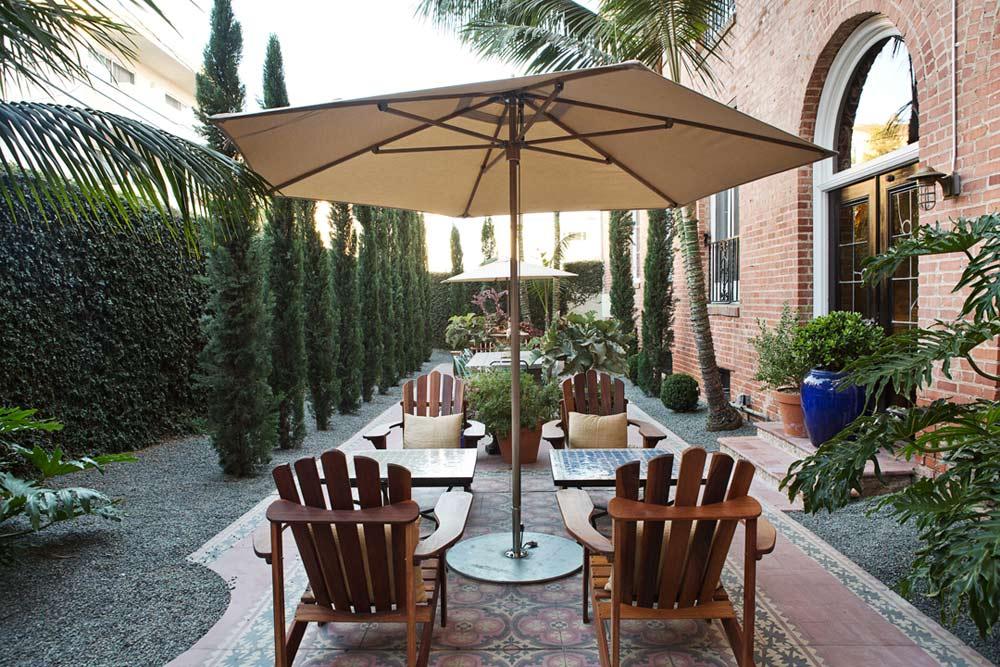 Courtyard at Palihouse Santa Monica