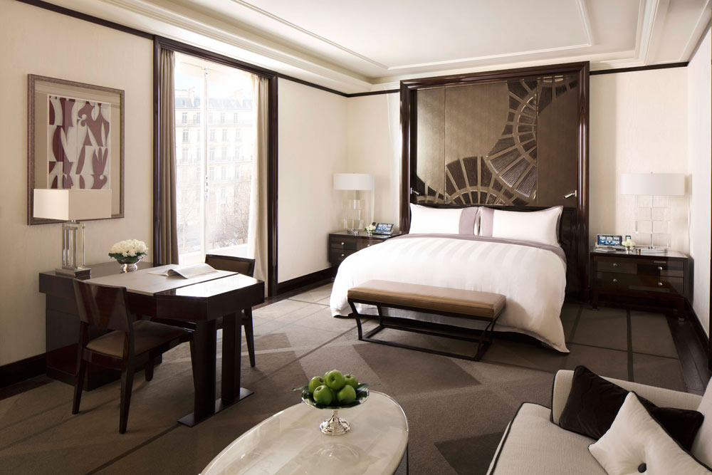 Bedroom at Peninsula Paris