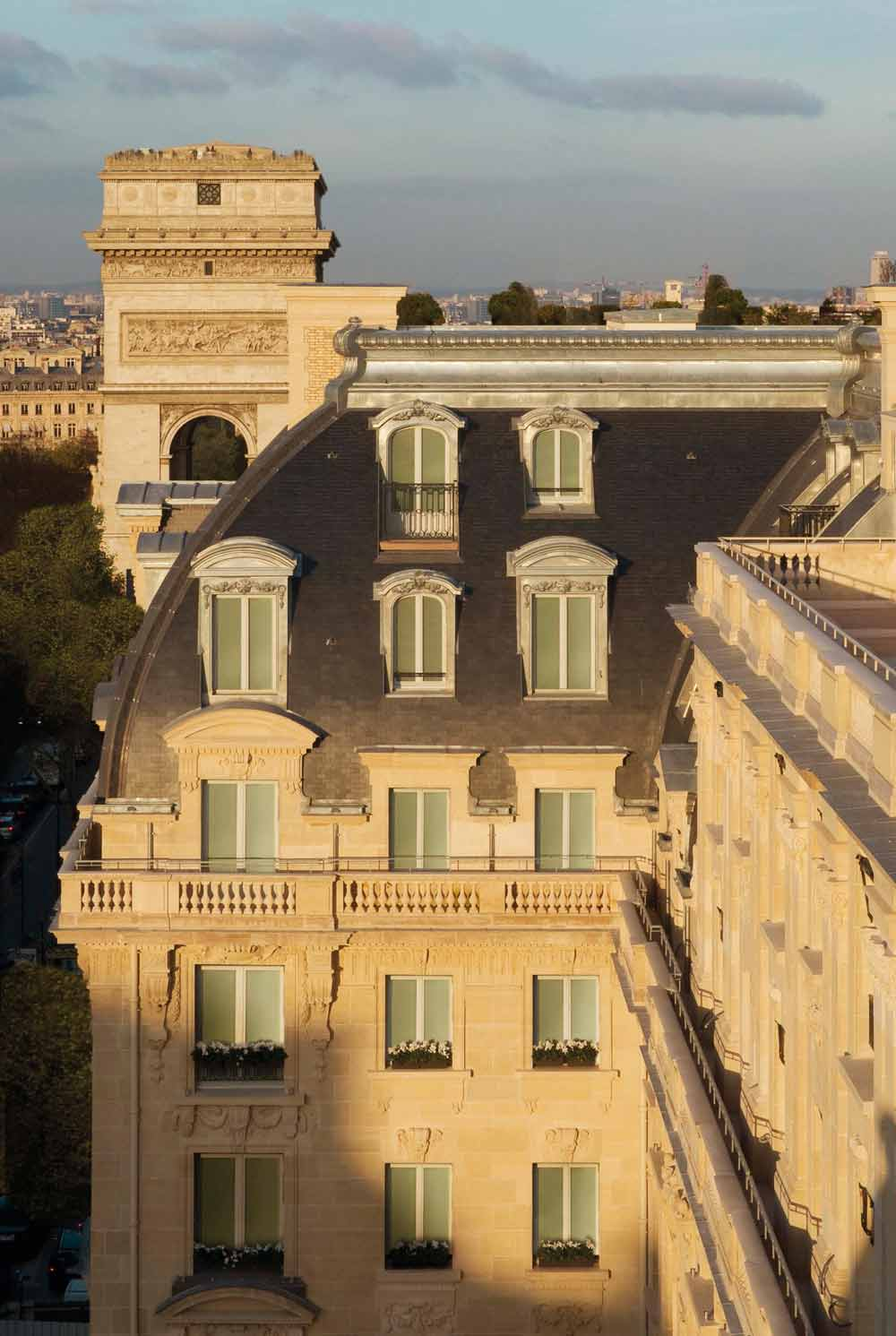 Exterior of Peninsula Paris