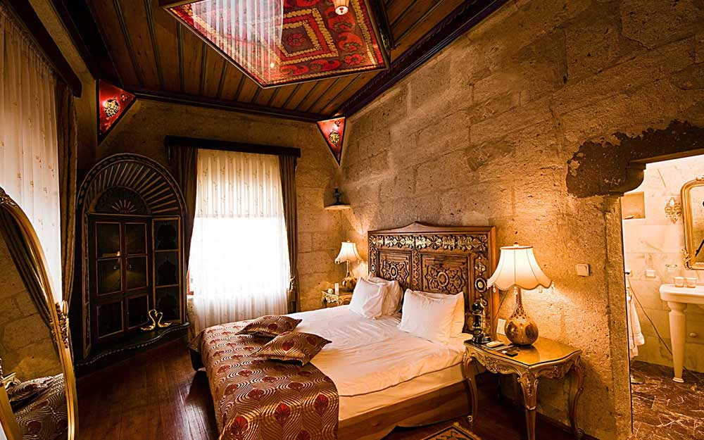 Bedroom of the Efatun Kosk Suite at Museum Hotel Cappadocia