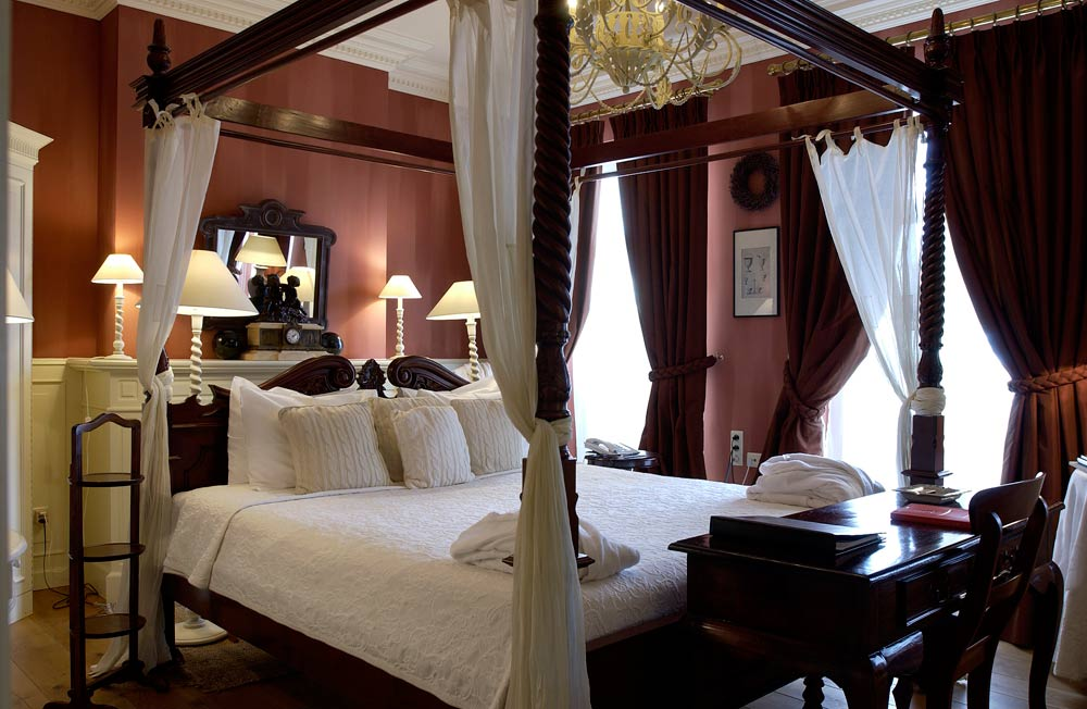 Guest Room at Hotel De Tuilerieen Bruges