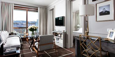 Guest Suite at Portrait Firenze