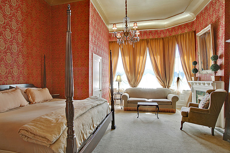 Royal King Premier Room at The Cornstalk Hotel, New Orleans