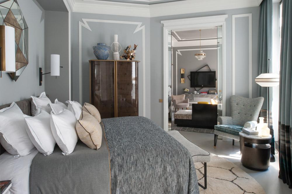 Deluxe Suite at the Nolinski Paris