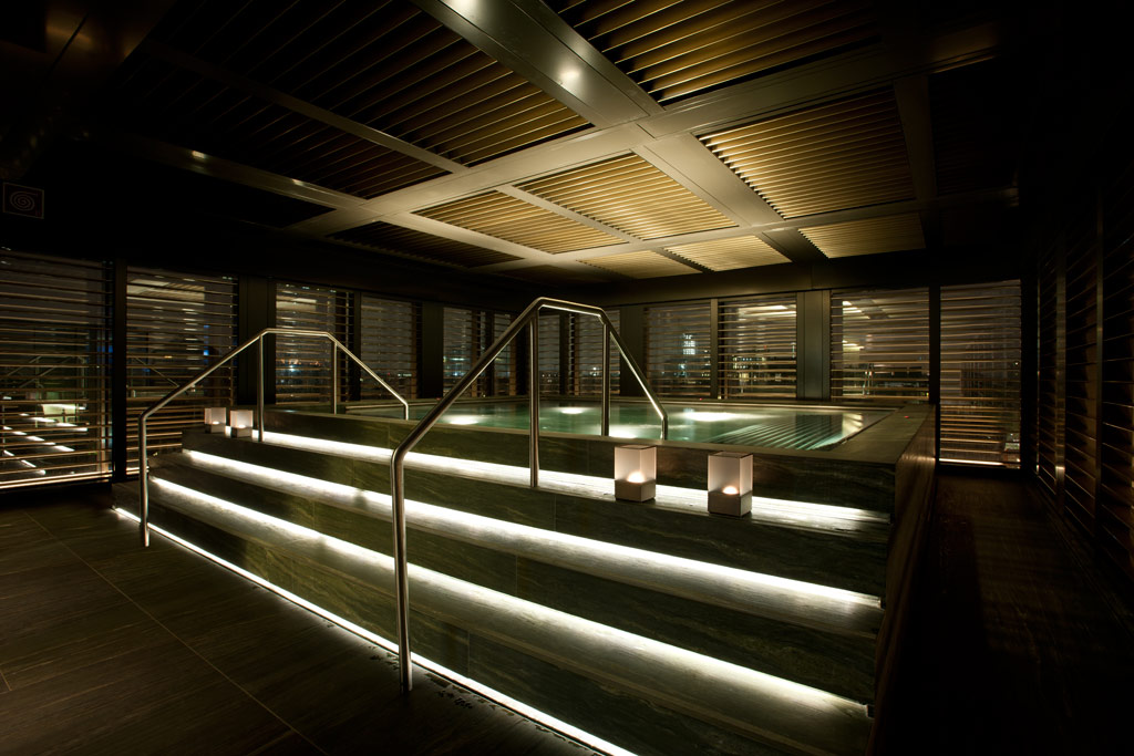 Relaxation pool at the Armani Hotel Milano