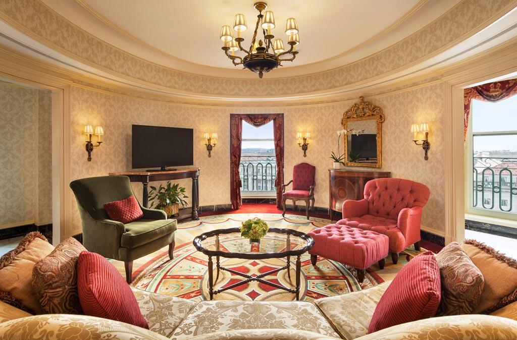 Oval Suite at The Willard InterContinental, Washington, DC