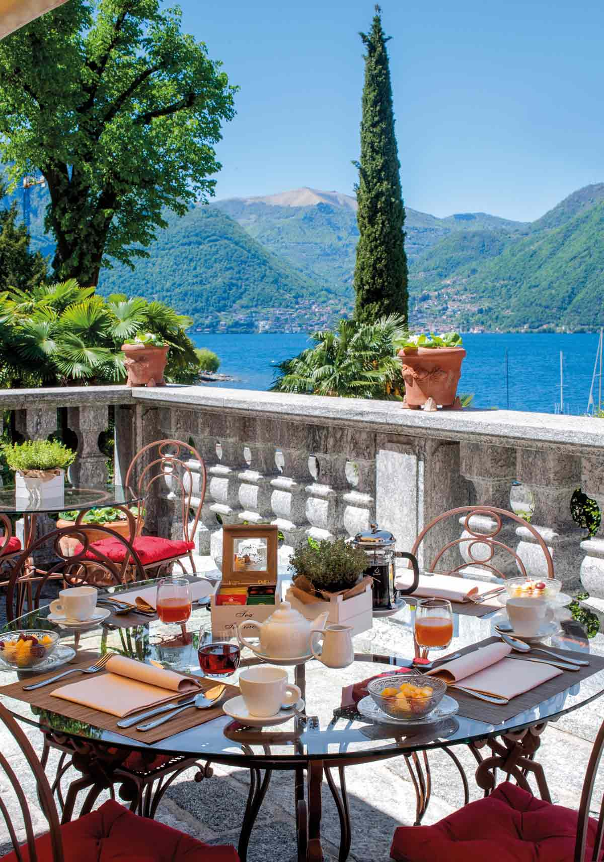 Hotel Views at Palazzo del Vice Re, LEZZENO, ITALY