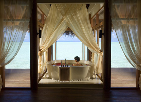 Honeymoon Decoration In Maldives : Honeymoon in the Maldives at the Anantara Dhigu Resort - Five Star ...
