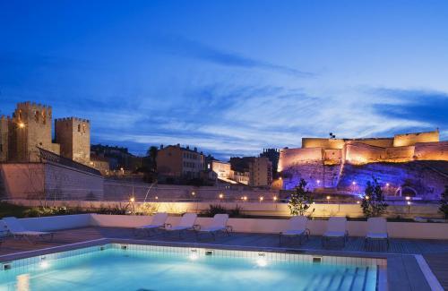 Hotel news radisson leads upscale brands in europe five - Radisson blu hotel marseille vieux port ...