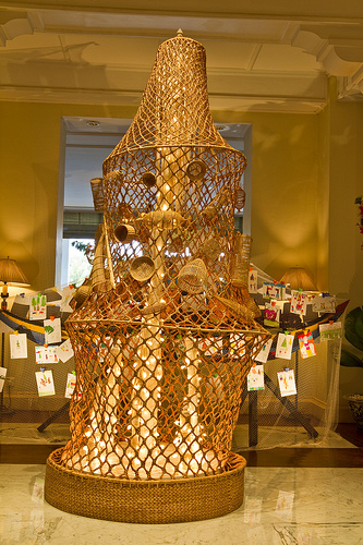 Raffles Grand Hotel d'Angkor, Christmas tree