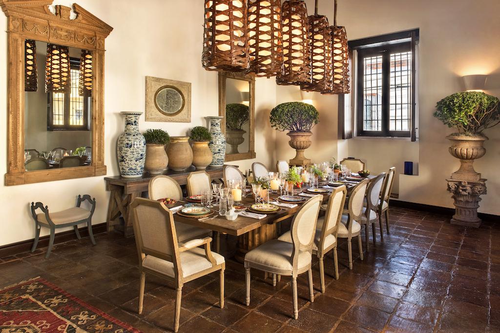 Royal Suite Dining Room at Casas del XVI