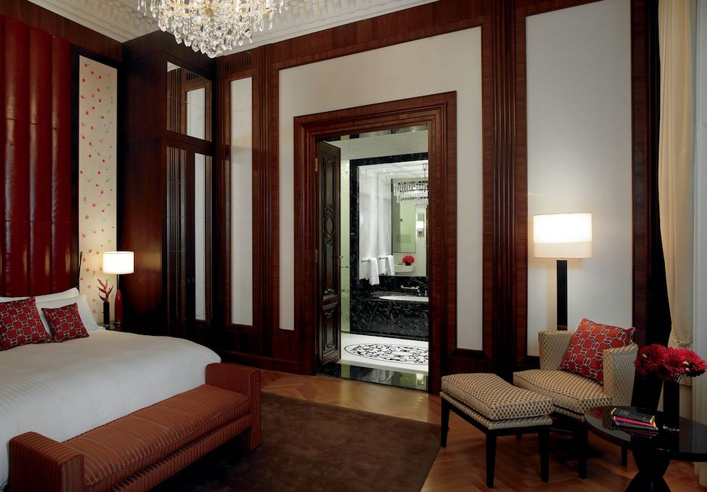 The Ritz-Carlton, Vienna Presidential Suite Bedroom