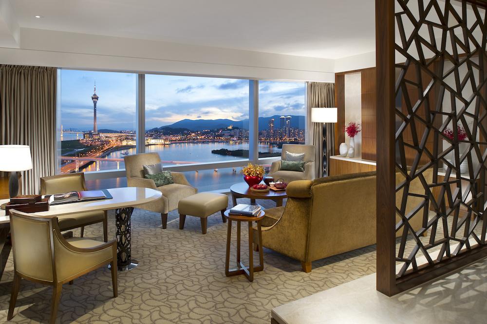 Deluxe Suite at Mandarin Oriental Macau